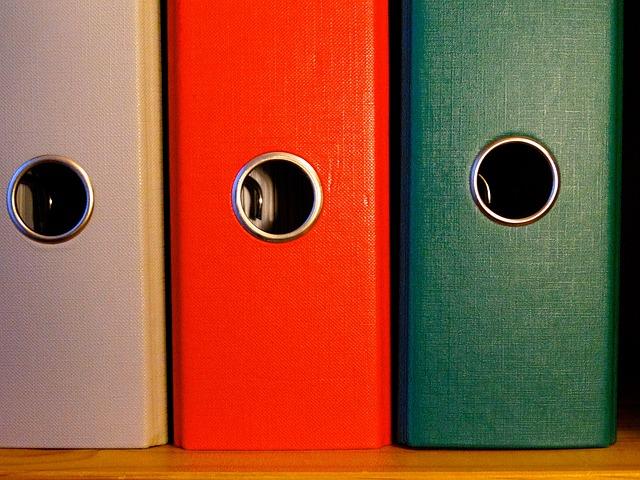 Bild Odnerrücken von Hebi B. auf Pixabay